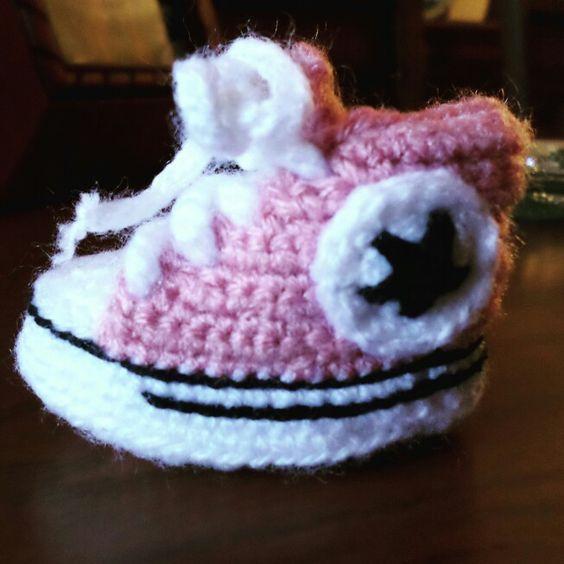 Patucos bebe converse #crochet #ganchillo #diy