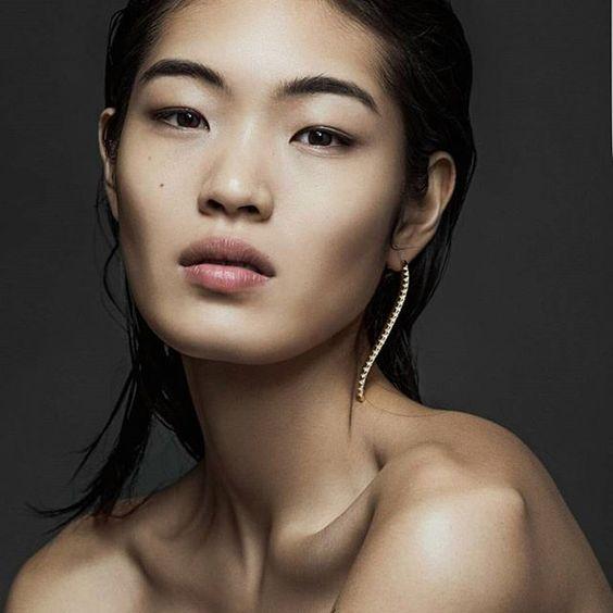 Wave earrings on @chiharuokunugi  styled by @davianlain  Photographed by @bymatallana #nityachandra #chiharuokunugi #swarovski #luxury #statementjewelry #showmeyourjewels #earrings #shopnow #linkbio #availablenow #jewelry #photography