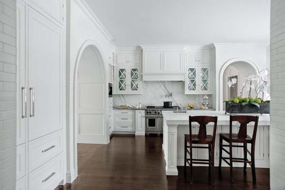 10 foot kitchen cabinets | ... expansive kitchen with 10 ...