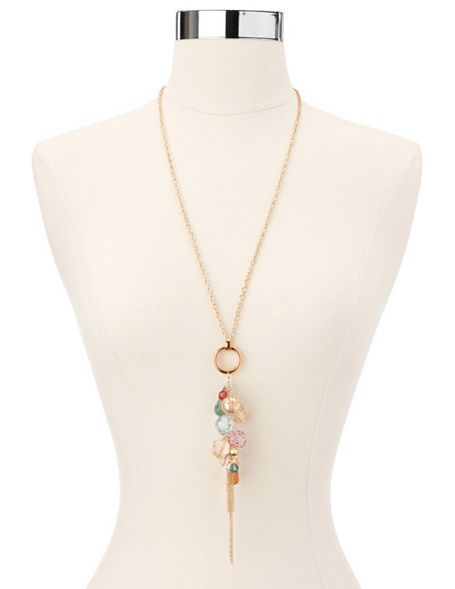 must have. a cute & chic necklace (jewelry) to complete an outfit.