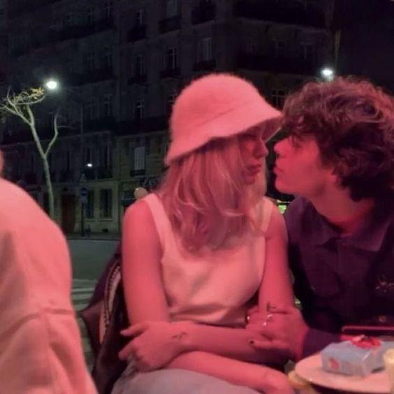 pinterest: nothingmatters  #nothingmatters #pinterest #Paarkostüme #Paarfotos #Couple Bilder ????