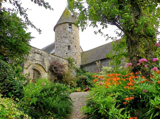 Château de Crosville sur Douve - Basse-Normandie