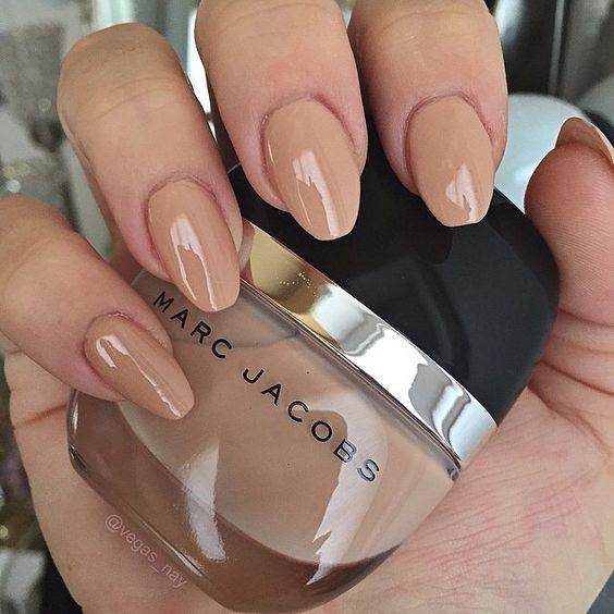 Loving these nude nails