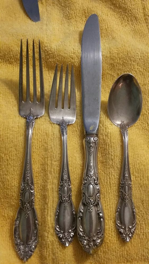 NEARLY NEW CONDITION TOWLE OLD MASTER STERLING SILVER PLACE FORK