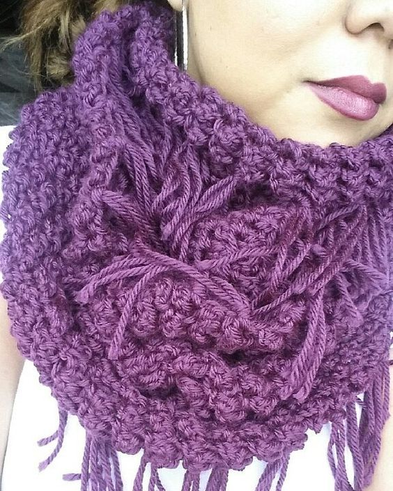 Bufandas con flecos infinita ! infinity scarf !!  #proyectosestrellacrochet #suenostejidosacrochett #instacrochet #crochetobsession #crochetinspiration #crochetaddict by estrellacrochet