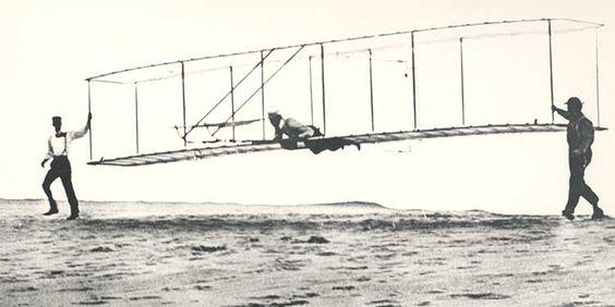 22 maggio 1906 I Fratelli Wright brevettano il loro aeroplano