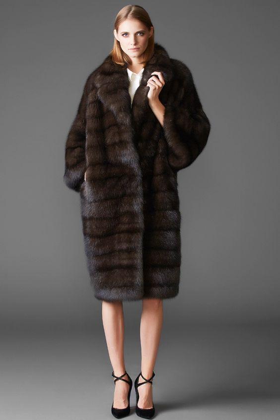 Каракуль, норка, соболь и высококачественная шерсть в осенне-зимней коллекции «Второго Мехового»