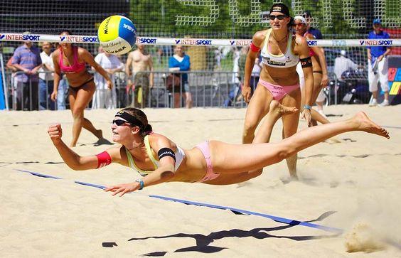 SuperWoman volleyball beach