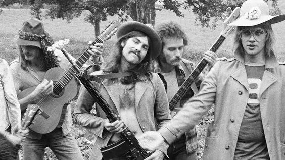 Dokumentarfilm zum 40-jährigen Bestehen der Berner Rockband Span. Regie: Laila Huber. Produktion: Decoy Collective.