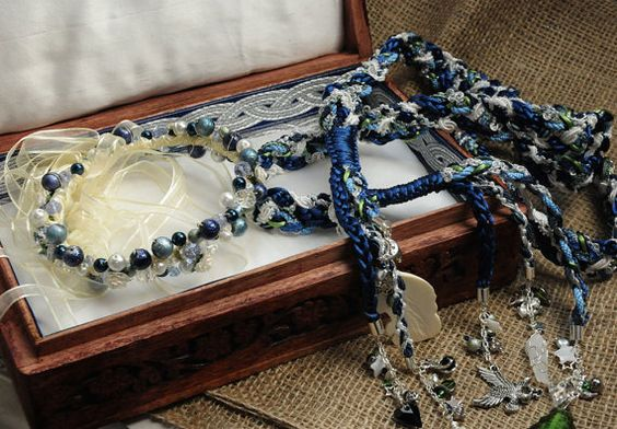 Custom handfasting cord matching tiara and silk by BindingTies