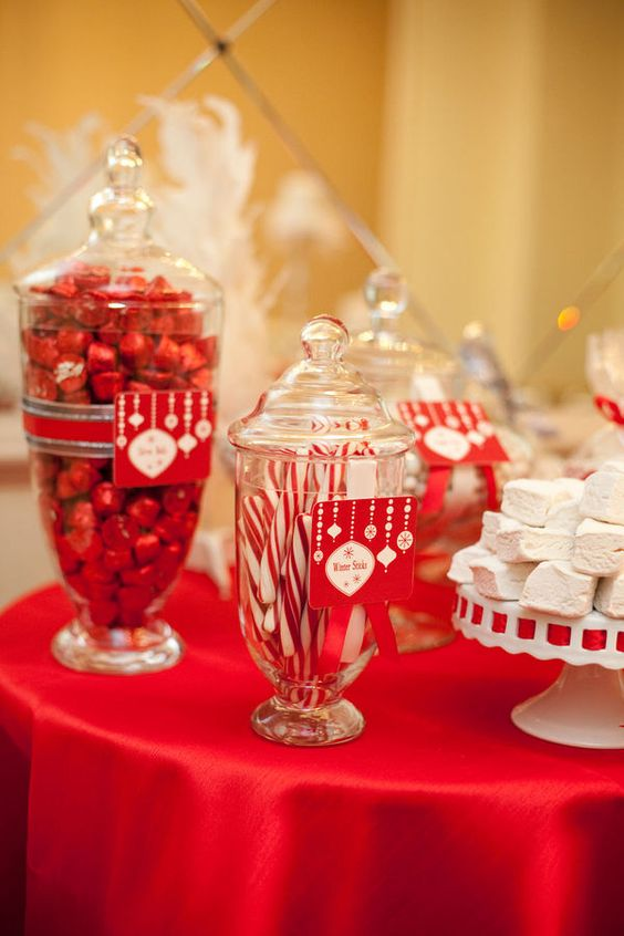 holiday table decor - must make labels!!