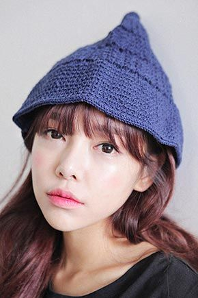 Today's Hot Pick :尖頂編織漁夫帽 http://fashionstylep.com/SFSELFAA0014474/stylenandatw/out 尖頂造型可愛的純色針織漁夫帽,獨特俏麗,時尚姐妹們不可錯過。