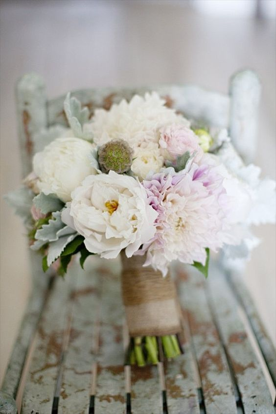 wedding bouquet ideas - add a thematic element like burlap for rustic weddings (photo by kristen gardner)