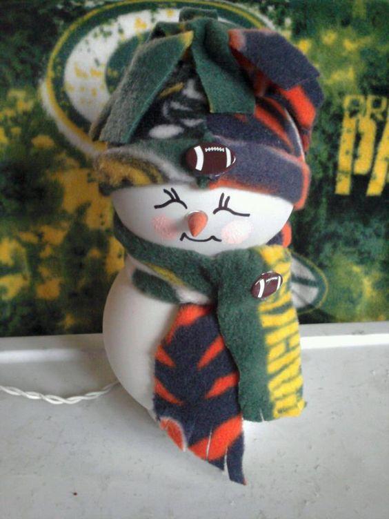 Packer / Bears snowman...