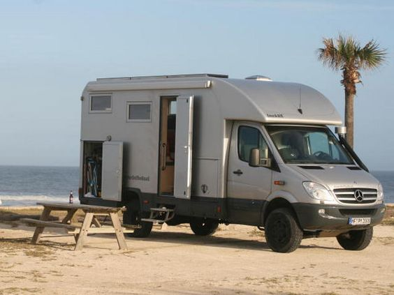 Bocklet professional 730 cube body sprinter rv built on for Mercedes benz sprinter 4x4 motorhome