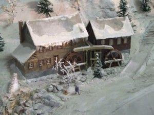 Modelleisenbahn Ausstellung in Keszthely - Winterlandschaft Kind mit Schlitten