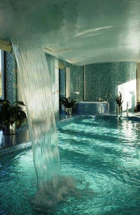 ragazzi, per chi preferisce una doccia potente, basta andare a #Moscow