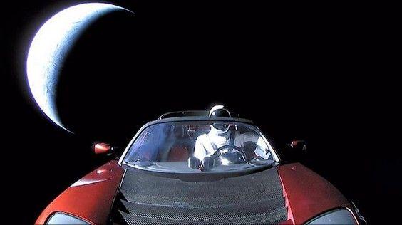 """""""Un site Internet pour suivre en temps réel la Tesla de Elon Musk"""""""