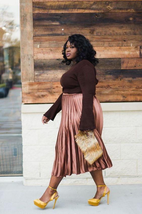 Chic body positive plus size fashion. #fatshion