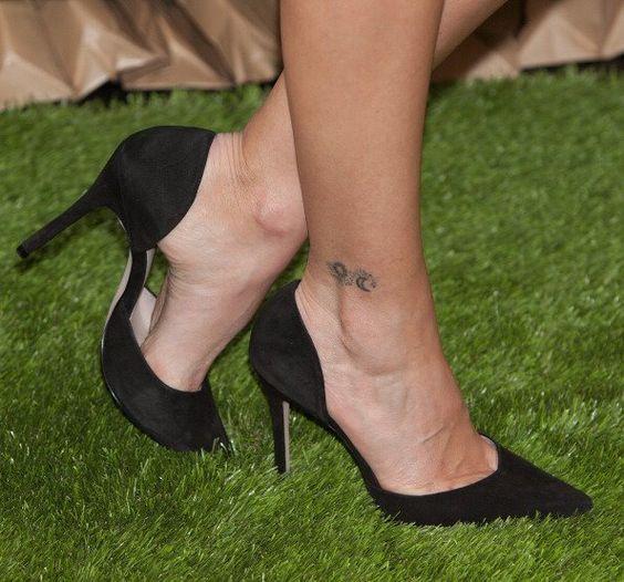 María José Suárez's Feet << wikiFeet