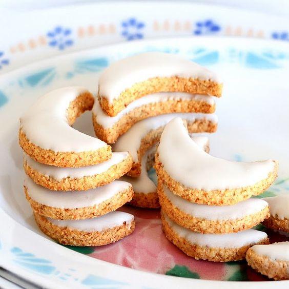 Biscuits de no l aux amandes cookies pinterest iced cookies noel and biscuits - Biscuit de noel facile ...