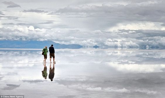 In the south of the desert plains of the Altiplano, Bolivia lies a dried-up salt lake Salar de Uyuni, the largest salt marsh in the world. In the rainy season is covered with a thin layer of saline water and turns into a huge mirror.
