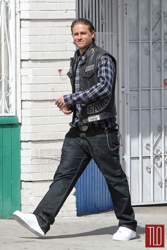 "Charlie Hunnam on the Set of ""Sons of Anarchy"" 