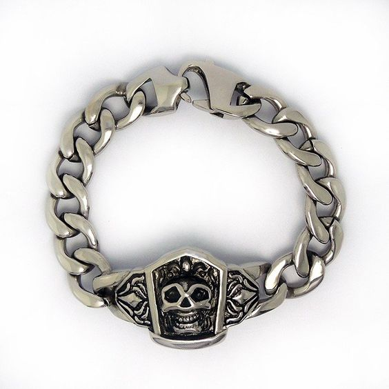 Bracelet motif tête de mort