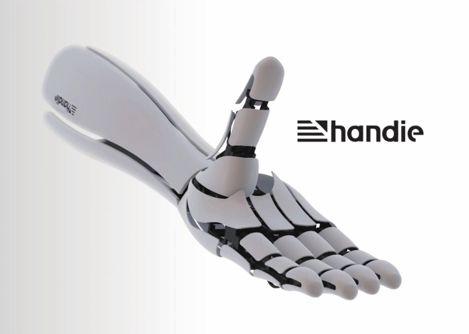"""""""Handie"""", una prótesis de mano robótica e impresa en 3D que cuesta solo 300 euros http://www.print3dworld.es/2013/11/handie-una-mano-robotica-impresa-en-3d-que-cuesta-solo-300-euros.html"""