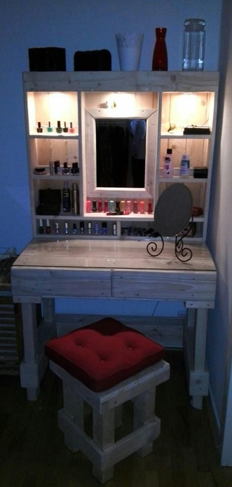 Powered Pallet Vanity Corner Desk Unit | Pallet vanity, Pallets ...