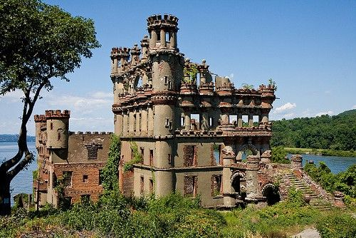 5 Abandoned New York Structures You're Actually Still Allowed To Visit | via Brooklyn Magazine