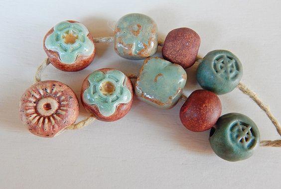 9 Beads brown and green . By Mª carmen Rodriguez ( Majoyoal ) https://www.facebook.com/groups/CeramicArtBeadMarket/