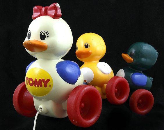 Vtg 1995 Tomy Quack Along Ducks Toy White Yellow Green