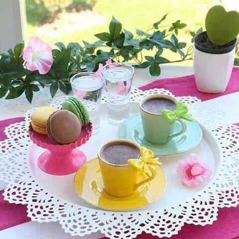 Chaque #café est un instant d'été même au creux de l'hiver! Je vous le souhaite doux et sucré 😁☕😘🌼🍬 et passez un bon week-end:)