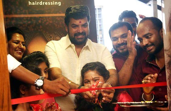 Power Star Srinivasan At i Face Hairdressing Studio Opening