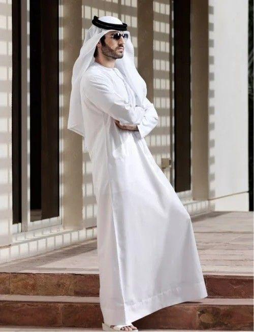 Kandoora ( Kandura, Thobe ou Dishdasha)   Arab men fashion, Arabic  clothing, Arab fashion