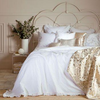Colcha y funda de cojín Madeline, de la nueva colección para cama de Zara España