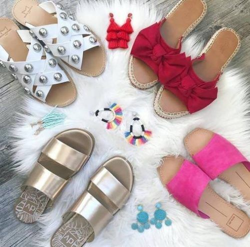 Cute beach sliders – Just Trendy Girls
