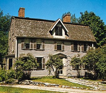 The Old Manse ~ Concord, MA Both Ralph Waldo Emerson and Nathaniel Hawthorne lived here. The Alcotts and Henry David Thoureau were frequent guests. Lots of history here!