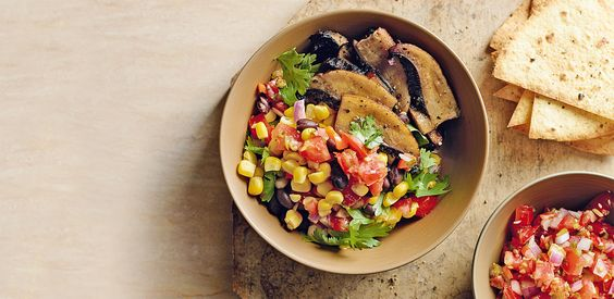La salsa di pomodoro e verdure alla messicana unisce il suo particolare gusto fermentato a mais e funghi. Prova la ricetta di Sale&Pepe.