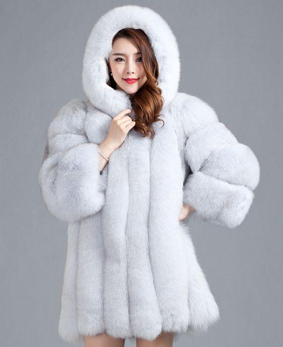 Fourrure-de-Story-151216-nouveau-Design-Top-luxe-finlande-renard-manteau-de-fourrure-avec-capuche-veste.jpg (900×1103)
