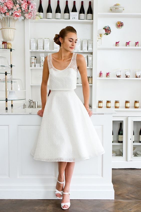 Robe de mariée courte, esprit rétro - Robe: Valentine Avoh, ensemble ...