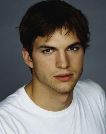 Ashton Kutcher.... i freaking love him