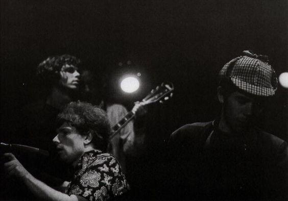 Jim Morrison and Van Morrison singing Gloria @ The Whisky a Go Go.
