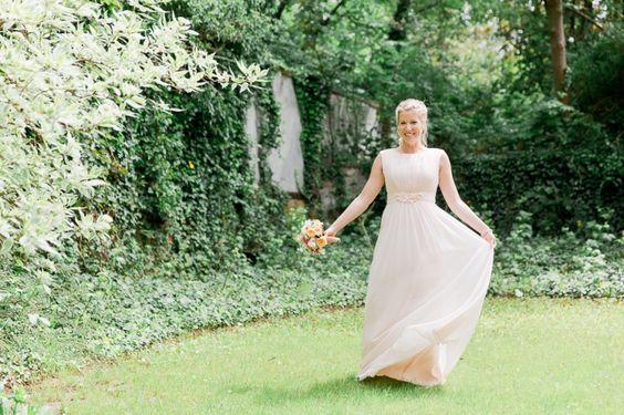 Hochzeitsfotos einer kleinen standesamtliche Trauung in Berlin