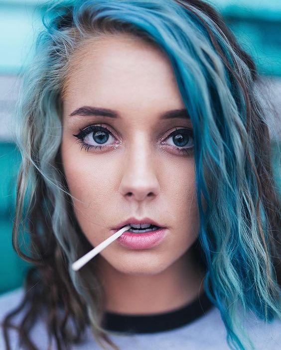 | retrato | retratos femininos | ensaio feminino | ensaio externo | fotografia | ensaio fotográfico | fotógrafa | mulher | book | girl | senior | shooting | photography | photo | photograph | nature | cabelo azul | blue hair