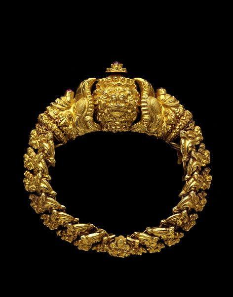 A bracelet with monster head, gold, South India, 19th century.: