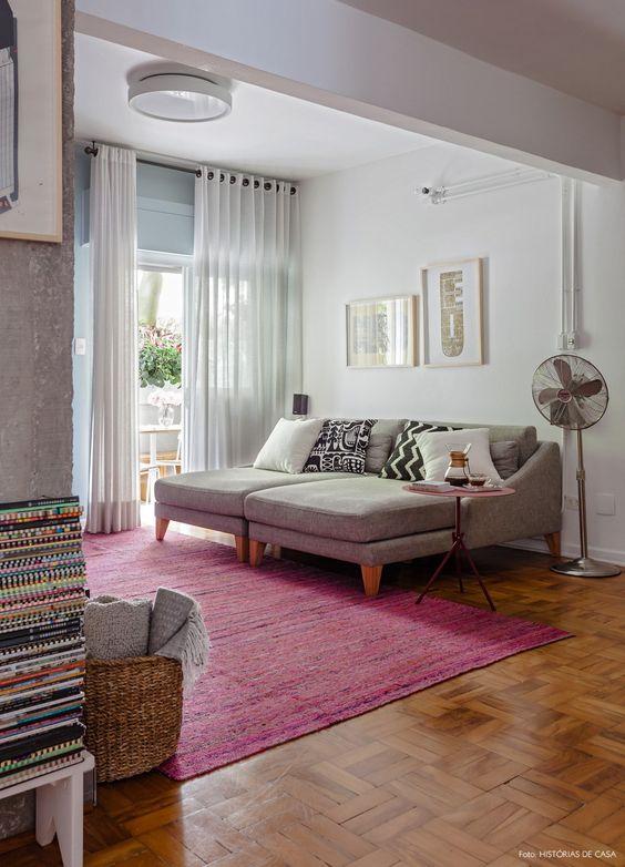 Sala De Tv Sofá Cinza ~ Sala de tv foi decorada com sofá cinza, almofadas preto e branco e