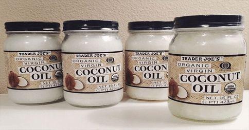 Deja el protector solar tóxico y utiliza aceite de coco en su lugar!
