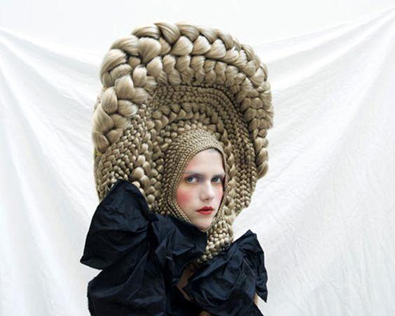 \u201cpoupées russes\u201d by Marisol Suarez, cheveux postiches, coiffure. \u201c